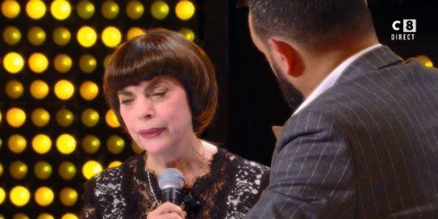 La chanteuse Mireille Mathieu, très émue ce 19 novembre dans l'émission TPMP à l'évocation de sa maman