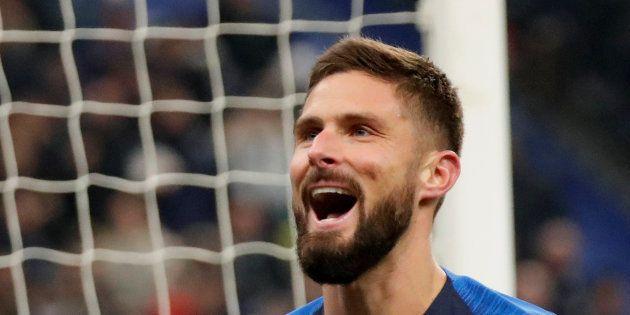 Olivier Giroud célébrant son but face à l'Uruguay mardi 20 novembre au Stade de