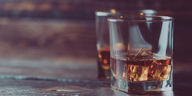 D'après la Fédération du whisky de France, la pays compte une trentaine de distilleries opérationnelles...