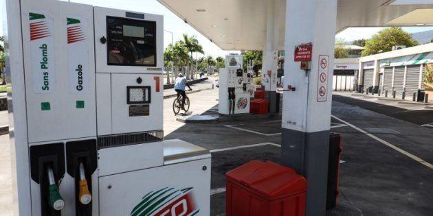 Comme à la Réunion, toutes les régions peuvent-elles geler la taxe sur les carburants? (Photo prétexte:...