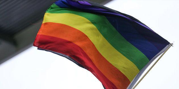 Face à l'inquiétude des supporters LGBT pendant le Mondial en Russie, les associations véhiculent guide et conseils.