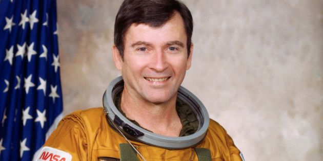 Mort de John Young, astronaute pionnier de la conquête spatiale qui avait marché sur la