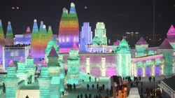 Ces sculptures de glace illuminées sont à couper le