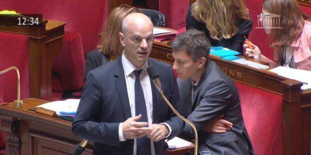 Le ministre Jean-Michel Blanquer a tranché: les députés LREM renoncent à interdire le téléphone portable...