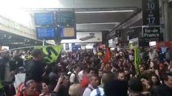 Des centaines de cheminots envahissent la gare