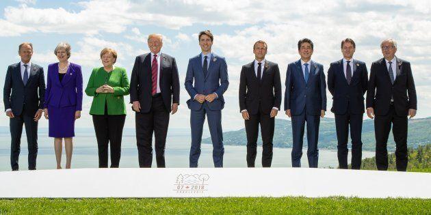 Les dirigeants réunis pour la photo de famille du G7 à La Malbaie au Québec le 8 juin