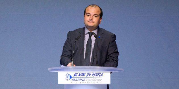 Rachline profite du journal de Fréjus pour moquer l'interview de Macron par