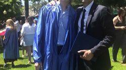 Le fiston de Gad Elmaleh est diplômé, et son papa est très