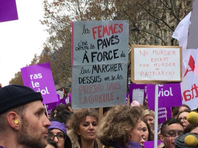 À la marche contre les violences sexuelles et sexistes, ces manifestants ont rivalisé