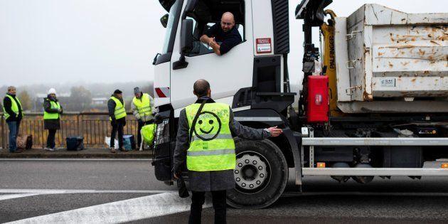 Un routier et un gilet jaune à Montceau-les-Mines le 23
