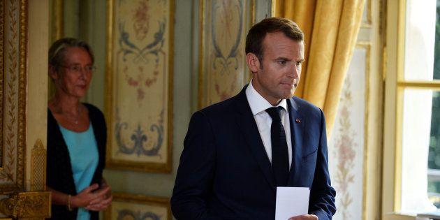 Quatre mois après la promulgation de la réforme de la SNCF, Elisabeth Borne et Emmanuel Macron présentent...