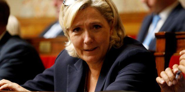 La présidente du Rassemblement national Marine Le Pen invite à