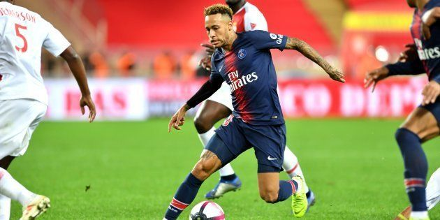 Neymar lors de Monaco-PSG en Ligue 1 le 11 novembre