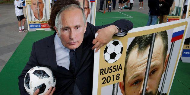 La Coupe du monde est l'outil de propagande ultime de Poutine, pensez-y quand vous la