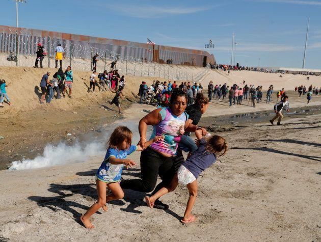 Cette photo à la frontière mexicaine devient un symbole de la politique anti-immigration de