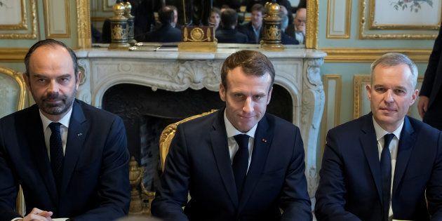 Édouard Philippe n'est toujours pas en mesure d'expliquer le mécanisme d'ajustement des taxes sur les...