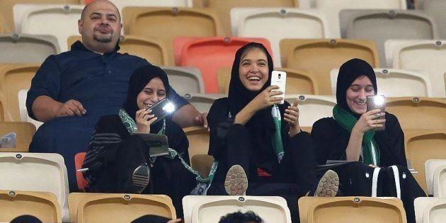 Des Saoudiennes assistent pour la première fois à un match de