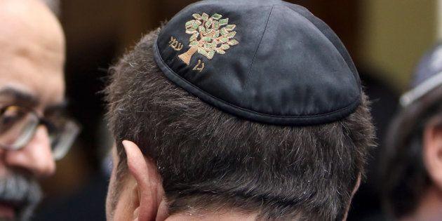 Photo prise à l'occasion d'une visite de Bernard Cazeneuve à Marseille après des attaques antisémites...