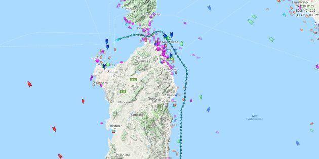 La trajectoire de l'Aquarius, passé entre la Corse et la Sardaigne dans la nuit du 14 au 15
