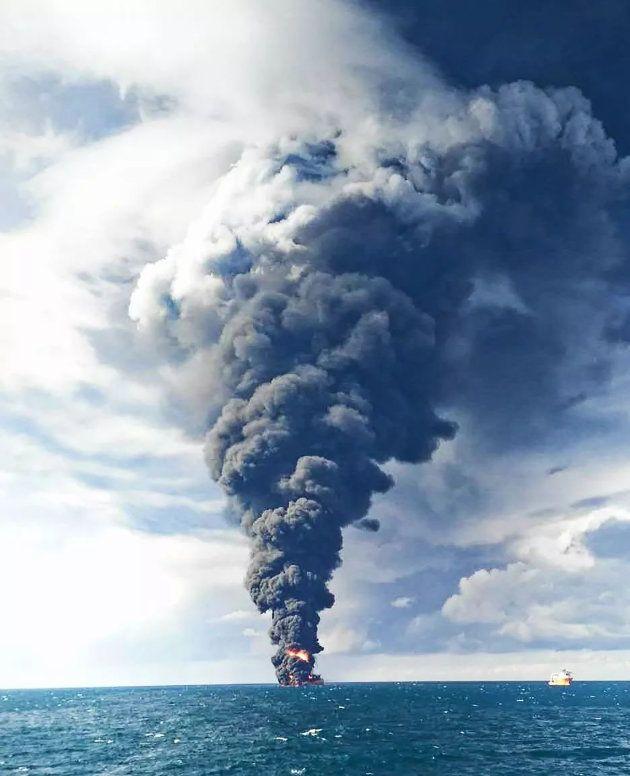 Le pétrolier iranien en flammes depuis 8 jours au large de la Chine a coulé, 29