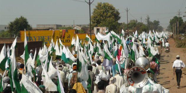 Dès 2018, des milliers d'Indiens entament des marches pour changer le