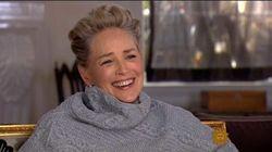 Le rire éloquent de Sharon Stone quand on lui demande si elle a déjà été harcelée