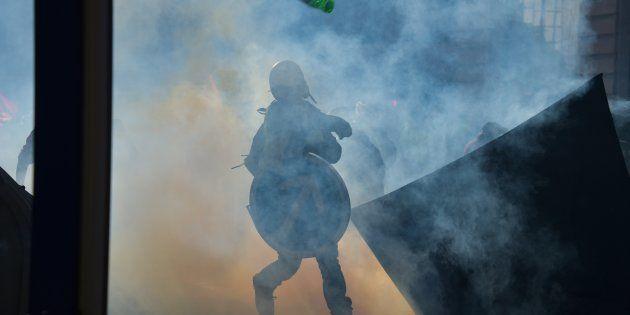 Dans plusieurs régions, la situation se tend dans les manifestations des gilets jaunes (Photo