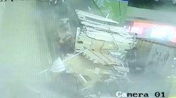 Un faux plafond s'effondre sur les clients d'un centre commercial en