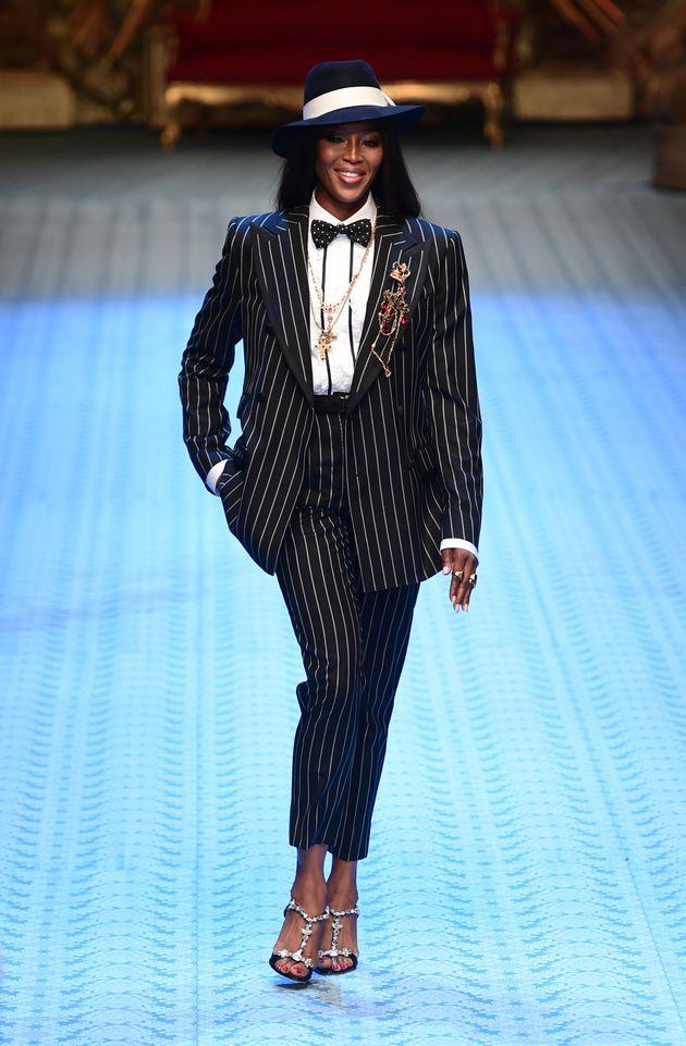 Naomi Campbell défile pour Dolce & Gabbana lors de la Fashion Week de Milan, le 16