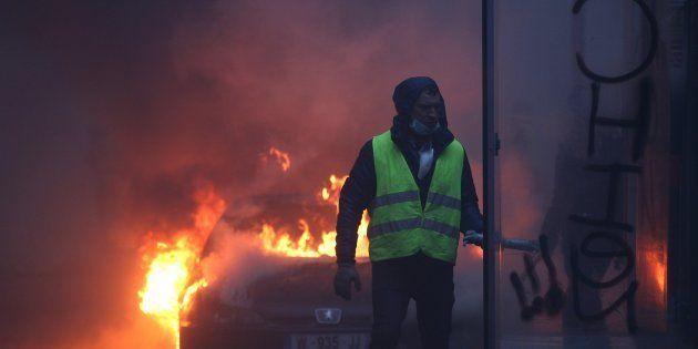 378 personnes en garde à vue, dont 33 mineurs après les manifestations de gilets jaunes à Paris, a fait...