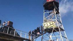 Du haut de leur tour, les zadistes de NDDL ont laissé éclater leur joie après l'abandon du projet
