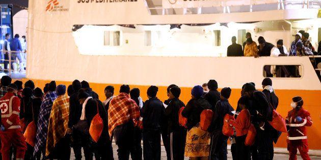 La moitié des 630 migrants secourus par l'Aquarius veulent l'asile en