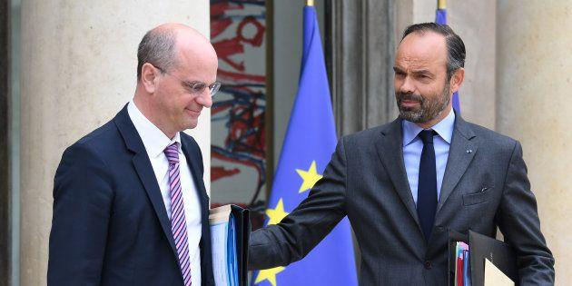 Matignon a demandé aux ministres d'annuler leurs déplacements non indispensables ce lundi. Jean-Michel...