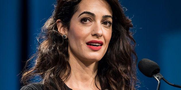 Amal Clooney lors d'une conférence pour les femmes