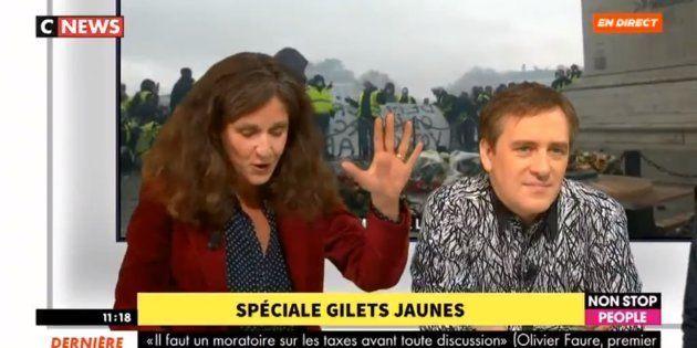 Face à des gilets jaunes, la députée LREM Elise Fajgeles n'a pas réussi à citer le montant actuel du