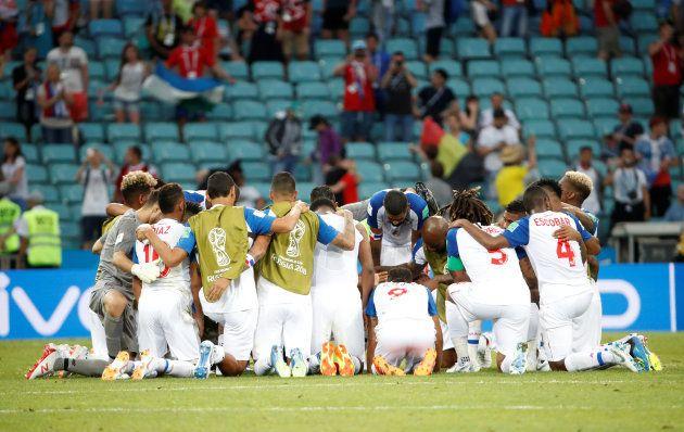 L'équipe du Panama à la fin du match contre la