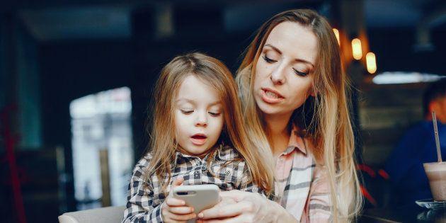 Mon téléphone me donne la liberté d'être une mère qui