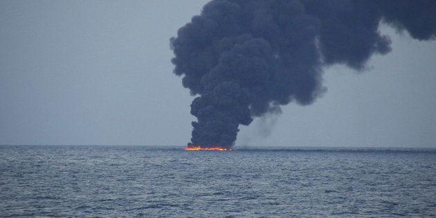 En mer de Chine, une marée noire de la taille de Paris après le naufrage d'un pétrolier