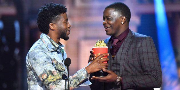 James Shaw Jr. reçoit le prix de l'acteur Chadwick Boseman lors des MTV Movie And TV Awards de 2018 à...