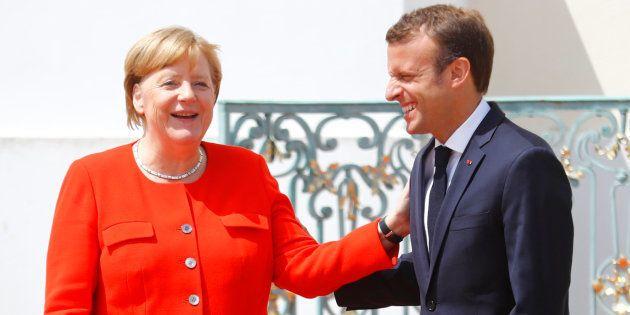 Emmanuel Macron et Angela Merkel se serrent les coudes dans la