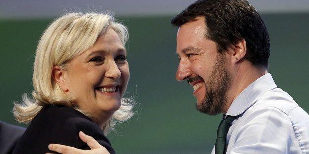 Marine Le Pen en compagnie de son allié italien de la Ligue, Matteo Salvini, en