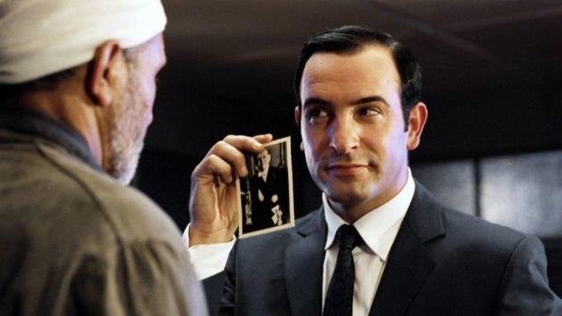 OSS117 ou Emmanuel Macron? Jean Dujardin profite de la parodie du président avec l'adolescent pour vous...