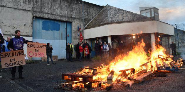 Blocage de la prison de Gradignan en Gironde le 15 janvier