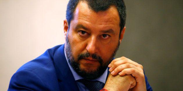 Matteo Salvini menace de lever la protection de Roberto Saviano, l'auteur de Gomorra après ses critiques...