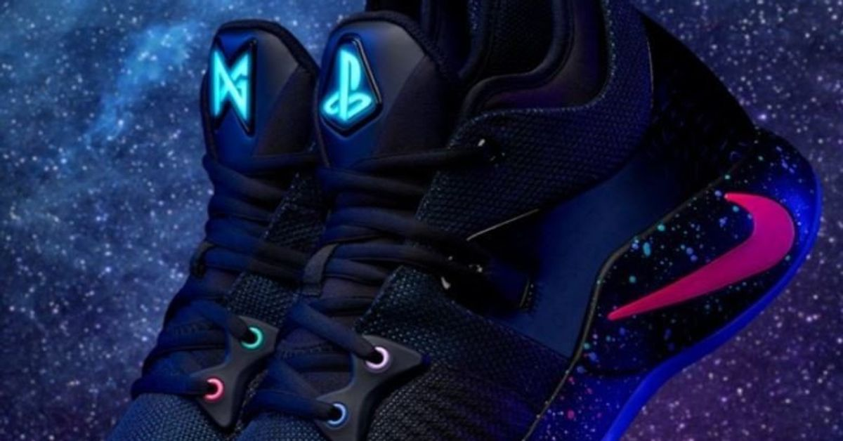 605aa3cfab5512 Cette paire de baskets Nike va instantanément parler aux fans de jeux vidéo  | Le Huffington Post