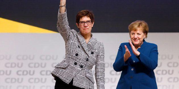 Annegret Kramp-Karrenbauer et Angela Merkel après l'élection ce vendredi 7