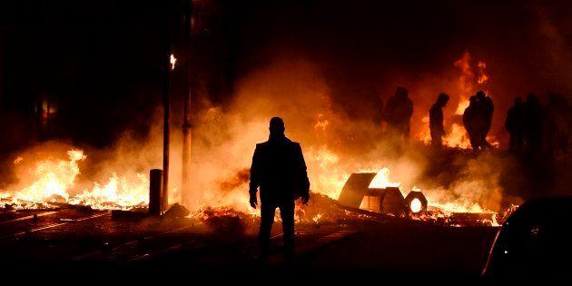 De violents affrontements ont eu lieu à Bordeaux ce samedi 8 décembre. Au moins un blessé grave est à