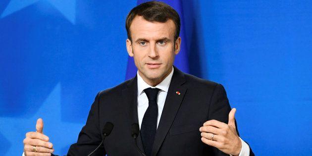 Emmanuel Macron recevra lundi à l'Élysée des responsables politiques et syndicaux pour finaliser sa réponse...