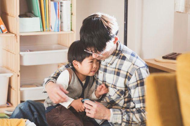 Les parents doivent montrer ce qu'est l'empathie.