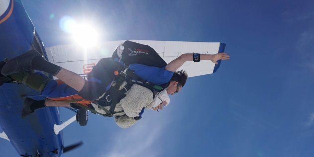 Ce 9 décembre, l'australienne Irene O'Shea est devenue la personne la plus âgée au monde à sauter en